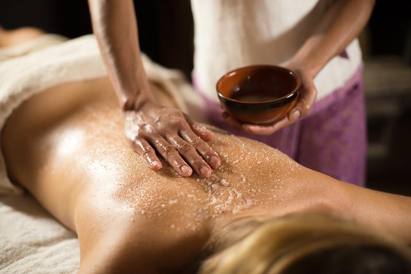 Акция на пилинг-массаж тела